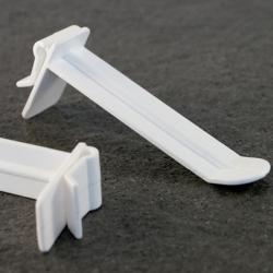 Užmaunamas platus plastikinis kablys